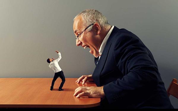 """10 cách """"xử đẹp"""" với quản lý tồi mà ai cũng có thể áp dụng"""