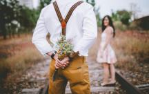7 dấu hiệu cho thấy trái tim chàng đang rung rinh và thổn thức vì bạn