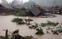 Chùm thơ nghẹn ngào đầy xúc động hướng về miền Trung mùa mưa lũ