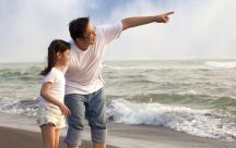 Cách bố mẹ dạy con tự cứu mình trong những hoàn cảnh khó khăn