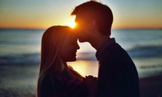Status hay về tình yêu Khi bạn gặp được đúng người vào thời điểm thích hợp là niềm hạnh phúc vẹn toàn