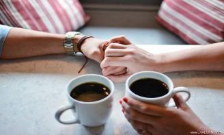 Status tình yêu Người sa vào lưới tình không phải là người dại khờ, người biết và hiểu chính cảm xúc của mình mới là người bản lĩnh