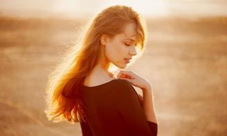 Stt phụ nữ đừng nên cố tỏ ra là mình đáng thương hay yếu đuối phải biết yêu thương bản thân mình