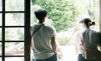 Stt tâm trạng suy tư về tình yêu non nớt của một thời tuổi trẻ