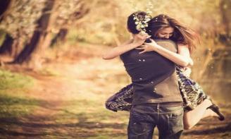 Status đong đầy yêu thương - Yêu anh bằng cả trái tim