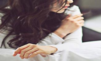STT buồn Trong tình yêu, hoặc là yêu cho trọn vẹn, hoặc là đừng yêu