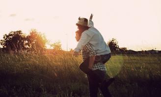 Những Stt buồn – Phải làm sao khi đã yêu người bạn thân?