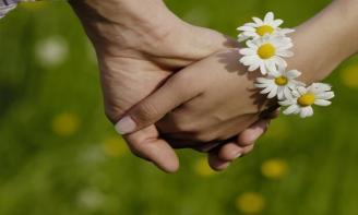 Những status ngọt ngào rung động trái tim trong tình yêu
