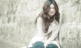 Những Stt thay tiếng khóc cho tình yêu khiến ai cũng đau lòng