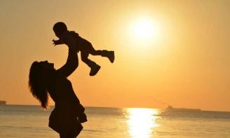 3 cách thể hiện tình yêu thương với con vô cùng hiệu quả
