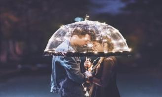Hãy đọc những stt về sự cảm thông trong tình yêu nếu muốn lâu bền bên nhau