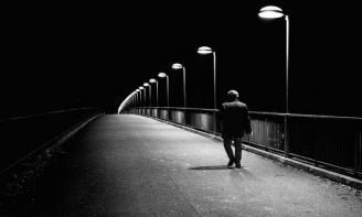 Stt đêm lạnh cô đơn ta lang thang đi về miền nhớ hư ảo