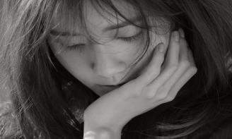 Những stt tâm trạng viết cho cảm giác trống rỗng sau chia tay