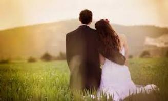 Status hay viết cho tình yêu đơn phương Em vẫn chờ anh ở đây