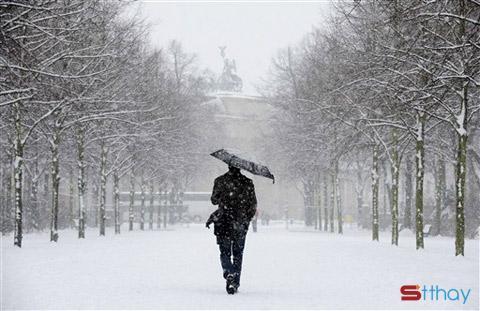 Mùa đông sang, mùa cô đơn đến, em co ro trong cái lạnh đất